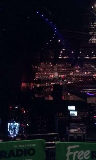Genting Arena, vak: Block 17, rij: B, stoel: 526