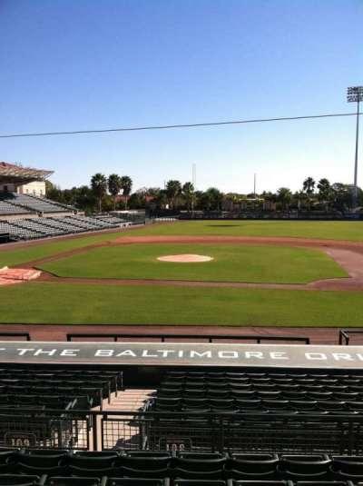 Ed Smith Stadium, vak: 209, rij: 7, stoel: 12
