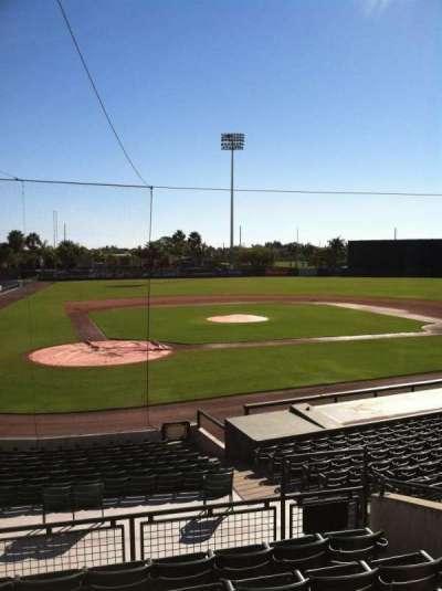 Ed Smith Stadium, vak: 211, rij: 7, stoel: 12