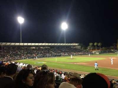 Ed Smith Stadium, vak: 205, rij: 3, stoel: 3