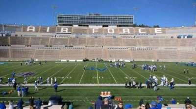 Falcon Stadium, vak: M22, rij: AA, stoel: 22