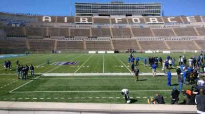 Falcon Stadium, vak: L23, rij: L, stoel: 10