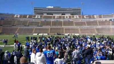 Falcon Stadium, vak: L22, rij: L, stoel: 13