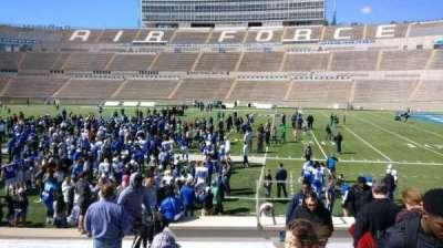 Falcon Stadium, vak: L20, rij: O, stoel: 2