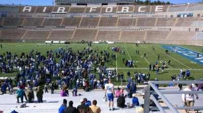 Falcon Stadium, vak: M21, rij: B, stoel: 2