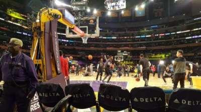 Staples Center, vak: 115, rij: 1, stoel: 4