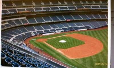 Yankee Stadium, vak: 311, rij: 2