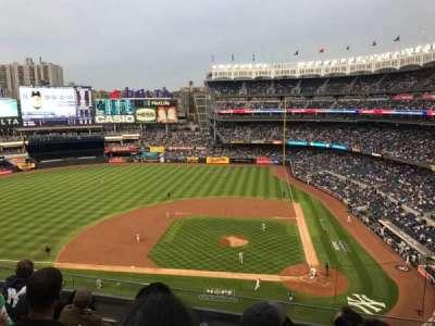 Yankee Stadium, vak: 323, rij: 5, stoel: 8