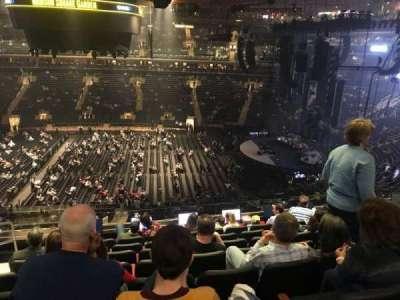 Madison Square Garden, vak: 212, rij: 8, stoel: 2