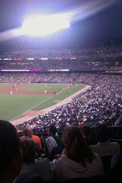 AT&T Park, vak: 233, rij: f, stoel: 3