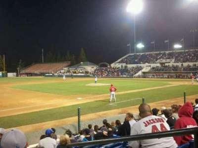LoanMart Field, vak: FB16, rij: J, stoel: 2