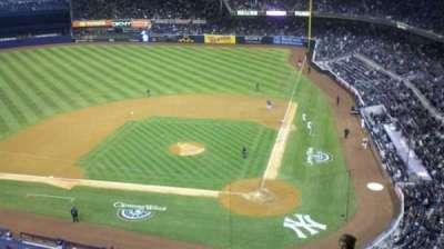 Yankee Stadium, vak: 322, rij: 8WC
