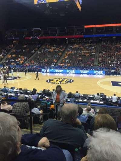 Jacksonville Veterans Memorial Arena, vak: 102, rij: M, stoel: 17