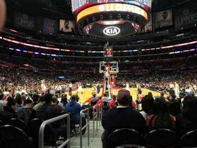 Staples Center, vak: 115, rij: L, stoel: 11
