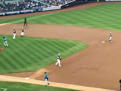 Yankee Stadium, vak: 214A, rij: 18, stoel: 2