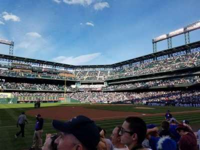 Coors Field, vak: 143, rij: 7, stoel: 1
