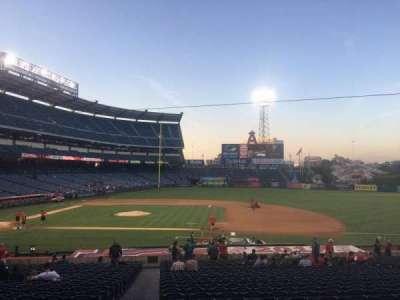 Angel Stadium, vak: T223, rij: A, stoel: 19