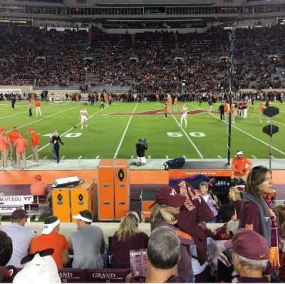 Lane Stadium, vak: 11, rij: H, stoel: 12