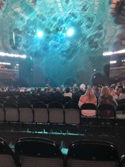 American Airlines Center, vak: Floor, rij: M, stoel: 6