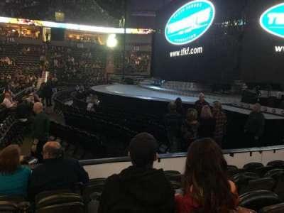 Spokane Arena, vak: 106, rij: E, stoel: 13