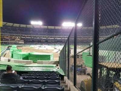 Angel Stadium, vak: F135, rij: U, stoel: 18