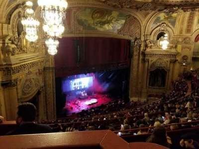 Chicago Theatre, vak: Balcony Box, rij: 8, stoel: 63