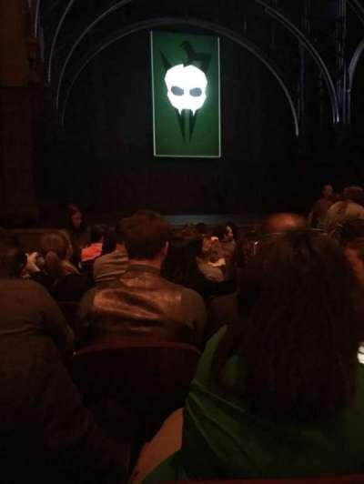 Lyric Theatre, vak: ORCHLF, rij: H, stoel: 17