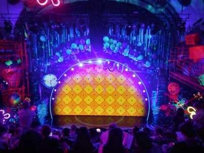 Palace Theatre (Broadway), vak: Front Mezzanine, rij: H, stoel: 102