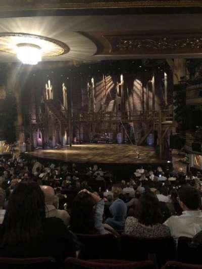 Richard Rodgers Theatre, vak: Left Orchestra, rij: R, stoel: 16