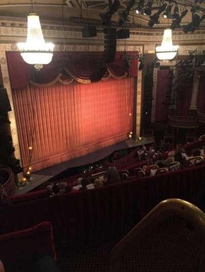 Imperial Theatre, vak: 5, rij: B, stoel: 2