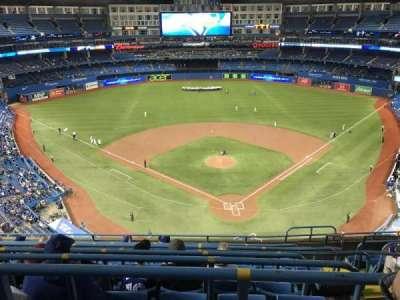 Rogers Centre, vak: 524BL, rij: 9, stoel: 103