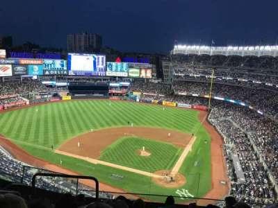 Yankee Stadium, vak: 421, rij: 6, stoel: 18