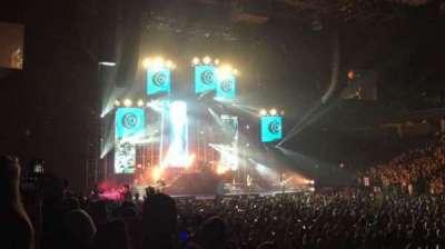 Greensboro Coliseum, vak: 111, rij: DD, stoel: 3 and 4
