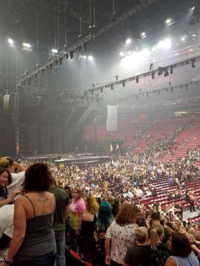 Little Caesars Arena, vak: 119, rij: 14, stoel: 10