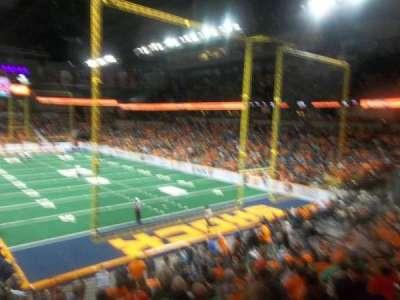 Spokane Arena, vak: 120, rij: T, stoel: 14
