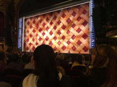Brooks Atkinson Theatre, vak: Orchestra, rij: K, stoel: 14