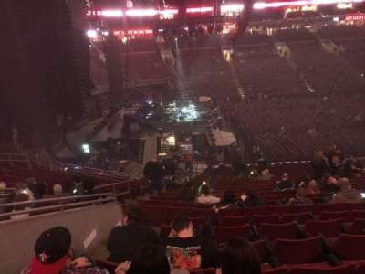Wells Fargo Center, vak: Club Box 23, rij: 1, stoel: 5