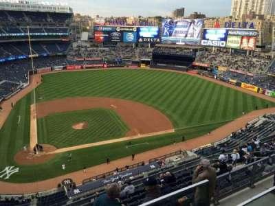 Yankee Stadium, vak: 407, rij: 1, stoel: 5