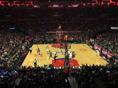 Staples Center, vak: 208, rij: 7, stoel: 2