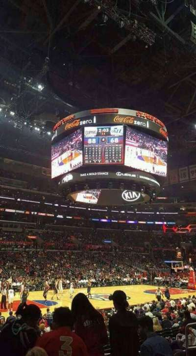 Staples Center, vak: 103, rij: 15, stoel: 7