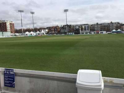 County Cricket Ground (Hove), vak: Grand Stand, rij: A, stoel: 7
