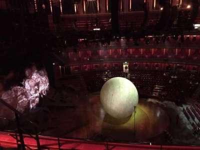Royal Albert Hall, vak: Circle R, rij: 3, stoel: 32