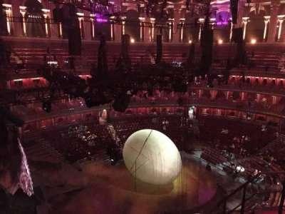 Royal Albert Hall, vak: Circle P, rij: 5, stoel: 5