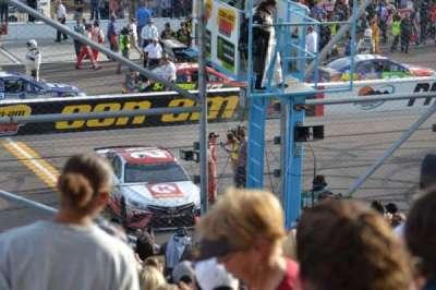 ISM Raceway, vak: AA, rij: 18, stoel: 8