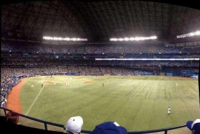Rogers Centre, vak: 209R, rij: 3, stoel: 8