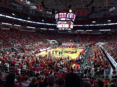 PNC Arena, vak: 125, rij: W, stoel: 7