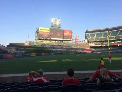 Angel Stadium, vak: F105, rij: G, stoel: 10