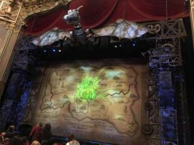 Oriental Theatre, vak: ORCH-R, rij: K, stoel: 2