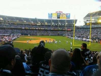 Oakland Alameda Coliseum, vak: 107, rij: 28, stoel: 18