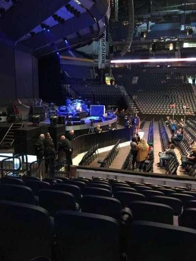 Bridgestone Arena, vak: 114, rij: JJ, stoel: 14